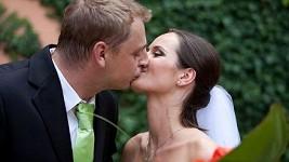 Renáta a David ve svůj svatební den.