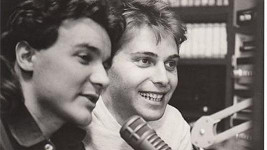 První snímek moderátorské dvojice je starý 26 let.