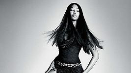 Naomi Campbell pro Pinko předvedla, že má i po čtytřicítce neuvěřitelné nohy.