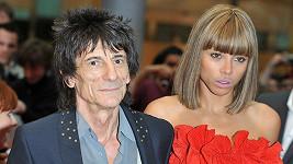 Ronnie Wood s bývalou přítelkyní Anou Araujo.