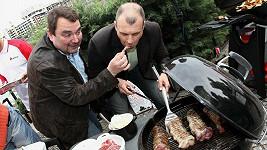 Petr Rychlý a Ivan Vodochodský za zahájení Globus Grilmánie 2011