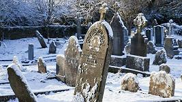 Švédka si obstarávala kosti na hřbitovech. Ilustrační foto