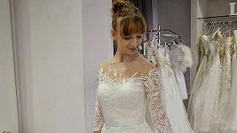 Michal Bragagnolo si bude brát kolegyni Denise Wich. Ta už zkouší svatební šaty.