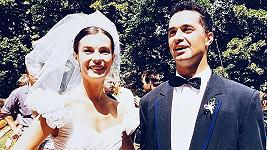 Martin Dejdar s manželkou Danielou před 25 lety na svatbě