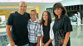 S Janou Petr Rychlý vychovává její dceru Denisu a společného syna Petra.