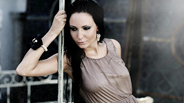 Veronika Nová ukázala při focení víc, než chtěla.