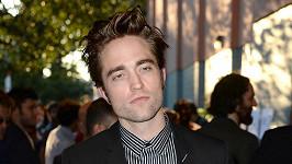 Robert Pattinson se poprvé ukázal světu jako Batman.