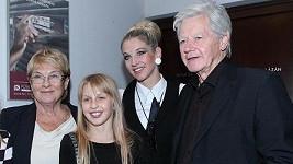 Sabina s rodiči a dcerou Valentýnou.