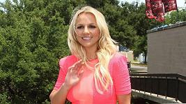 Zpěvačka jezdí propagovat X Factor po USA.