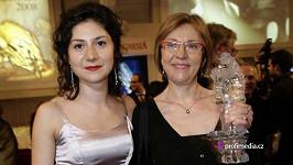Martha Issová s maminkou Lenkou Termerovou.