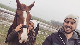 Mirek Hrabě s přítelkyní Terezou