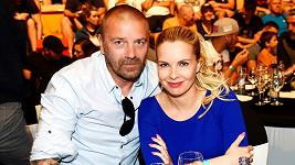Tomáš Řepka a Kateřina Kristelová se objevili v britském bulváru. I s Vlaďkou Erbovou...