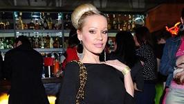 Kráska si zahrála ve filmu s Donaldem Suterlandem.