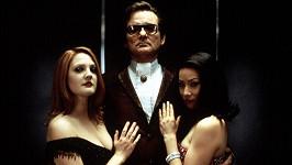 Lucy Liu (vpravo), Bill Murray a Drew Barrymore v Charliho andílcích