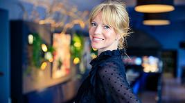 Jessica Sjöö stále občas fotí. Její hlavní profesí už ale modeling není.