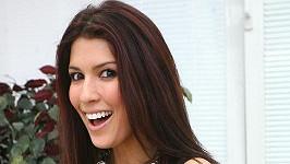 Zpěvačka Victoria ukázala implantáty, které má nyní v prsou