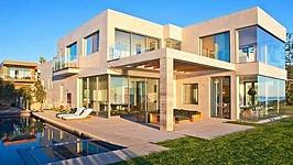 Vila, kterou si v Malibu pronajímají manželé Beckhamovi.