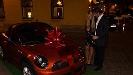Místo bomboniéry dostala Tamara Kotvalová od přítele auto za milion.