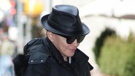Madonna v ulicích New Yorku.