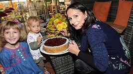 Zdeňka Žádníková slavila narozeniny s dvěma mladšími dcerami.