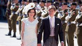 Princ s princeznou na snímku z loňského června.