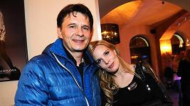 Jan Šťastný s manželkou Bárou