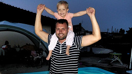 Milan Pešek se svou roztomilou dcerkou