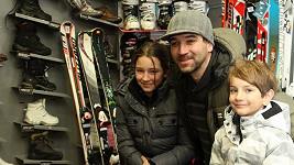 Ondřej Sokol s dcerou Ester a synem Adamem