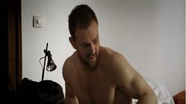 Doktora Ludského alias Tomáše Maštalíře čekají v seriálu tři sexuální partnerky