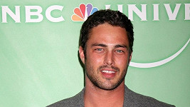 Model a herec Taylor Kinney.