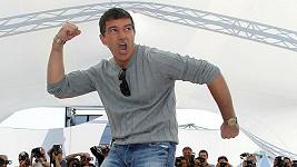 Antonio Banderas se umí rozjet.