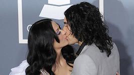 Russell Brand a Katy Perry po 14 měsících požádali o rozvod.