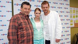 Herci z Doktorů z Počátků Václav Postránecký, Míša Sejnová a Martin Stránský
