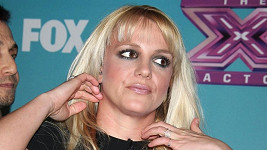 Britney Spears diváky ani Simona Cowella nezaujala.