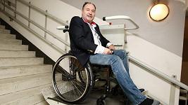 Hitmaker se může pohybovat pouze na vozíčku.