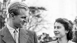 Princ Philip a královna Alžběta II. byli manželé 73 let.