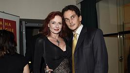 Vdova po choreografovi Richardu Hesovi Marcela s přítelem