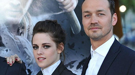 Kristen Stewart a Rupert Sanders způsobili svým románkem mnoha lidem velké trápení.