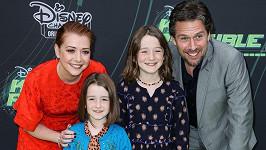 Alyson vyvedla manžela i roztomilé dcerky.