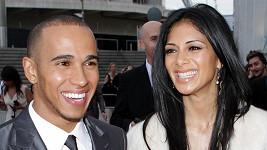 Nicole Scherzinger a Lewis Hamilton jsou po sedmi letech zasnoubení.