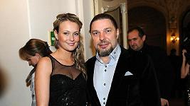 Petr Kolář s milenkou Lenkou Chlupáčovou