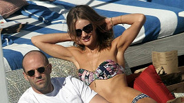 Rosie Huntington-Whiteley a Jason Statham.
