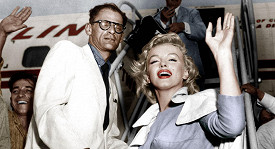 Na veřejnosti vystupovala Marilyn jako sebevědomá hvězda. V soukromí trpěla.
