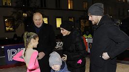 Vlaďka Erbová s přítelem Michalem Gulašim a dětmi