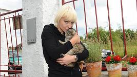 Tahle kočička přišla k Báře sama a je jí asi rok a půl.