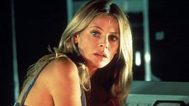Britt Ekland jako Mary v bondovce Muž se zlatou zbraní
