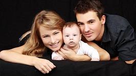 Zuzana Haberová s manželem Lukášem a synem Mathiasem.