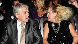 Pokud je Iveta fakt spolčená s čerty, není divu, že se jí Josef Rychtář bojí.