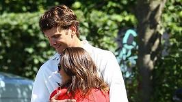 Pippa Middleton objímá svého přítele Alexe Loudona.