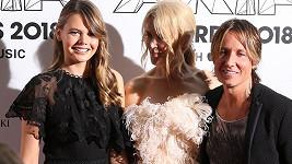 Lucia Hawley se slavnými příbuznými Nicole Kidman a Keithem Urbanem